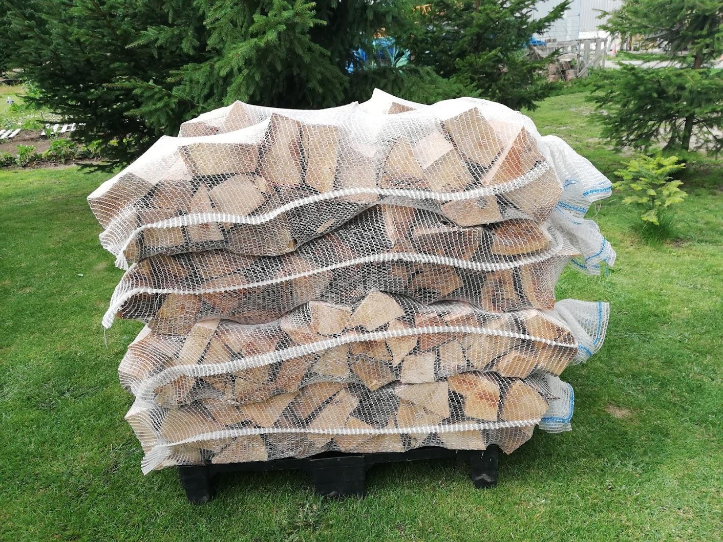 Bukové dřevo v pytlích - balení 8 ks